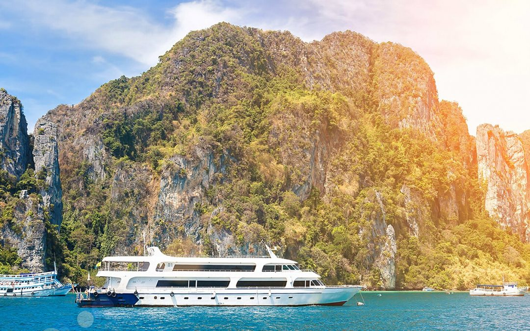 What to Know About Cruising During COVID-19, According to Experts