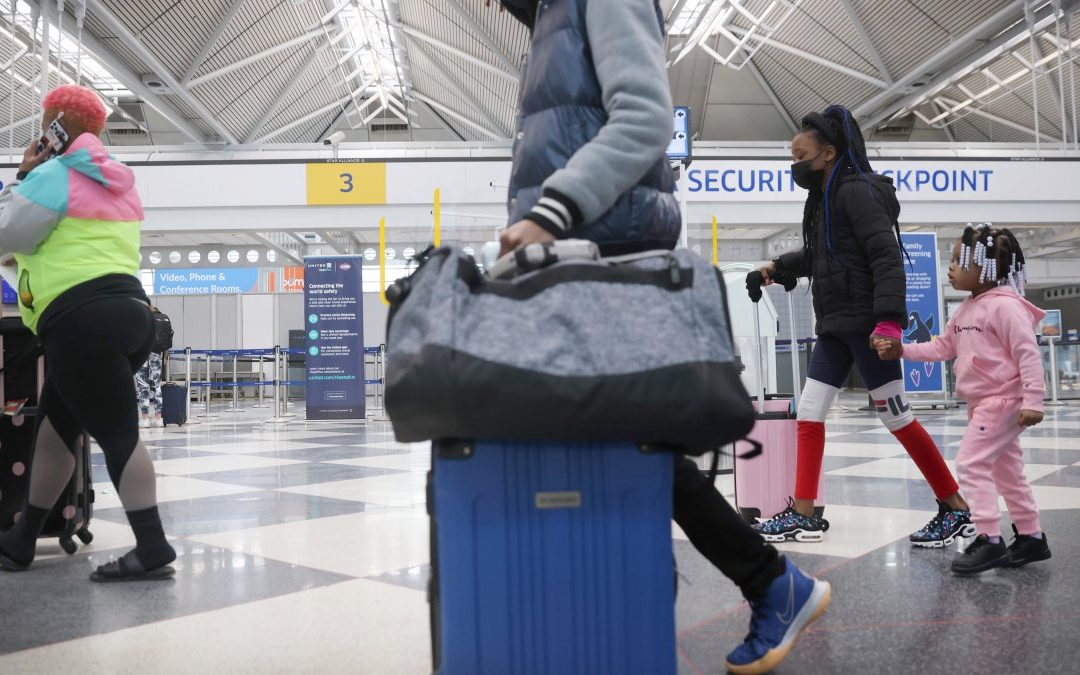 Chicago Updates Travel Advisory Recommendations for Unvaccinated Travelers – NBC Chicago